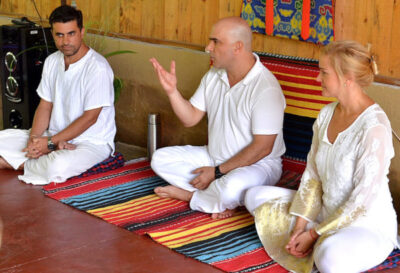 tantric meditation - Somananda lecturing to student's about key principles of the mind and meditation